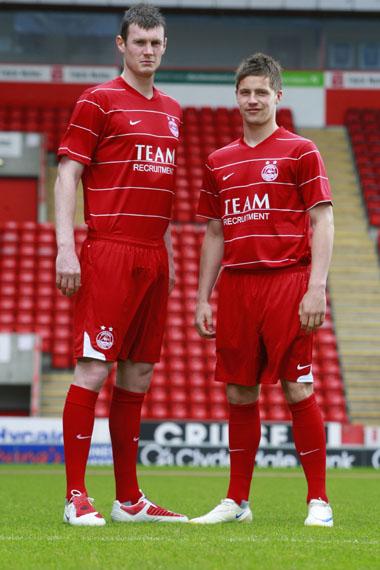 New Aberdeen 2009-10 Home Kit