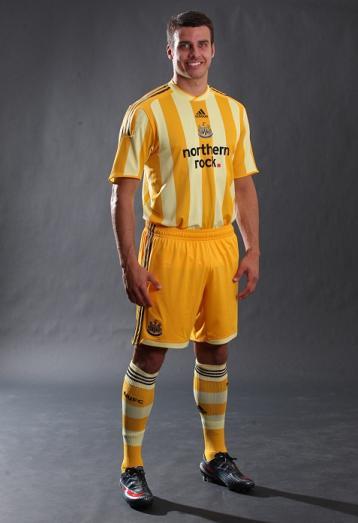 New Newcastle away kit 2009-10