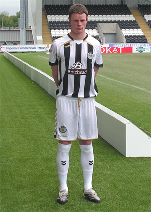 New St.Mirren home kit 09/10