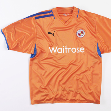 New Reading kit 2009-10 away Puma shirt