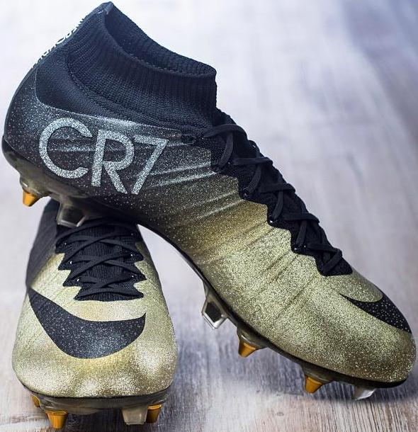 CR7 Gold Boots 2015