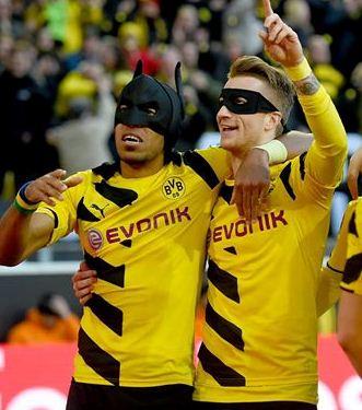 Aubameyang Reus Schalke Batman Robin