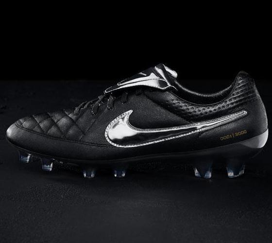 New Totti Tiempo Legend Boots 2015