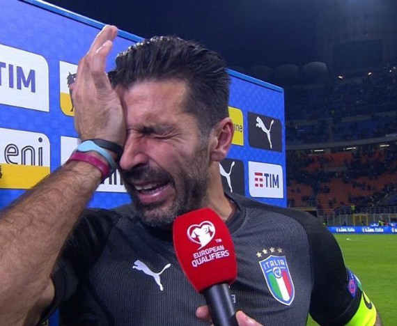 Buffon crying