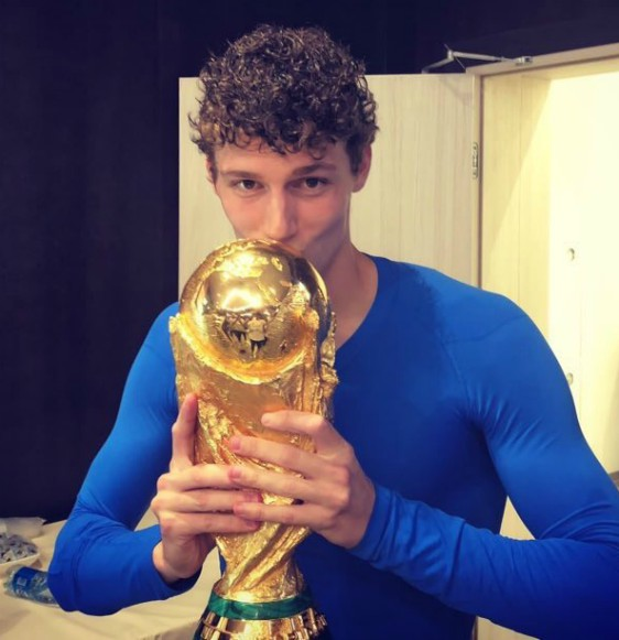 Pavard with World Cup